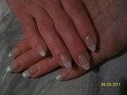 Наращивание ногтей гелем на типсах;  наращивание временных ногтей;  маникюр